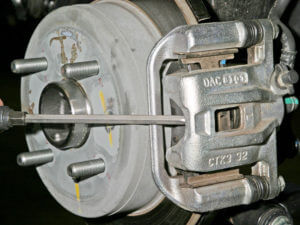 Замена задних тормозных колодок на лачетти