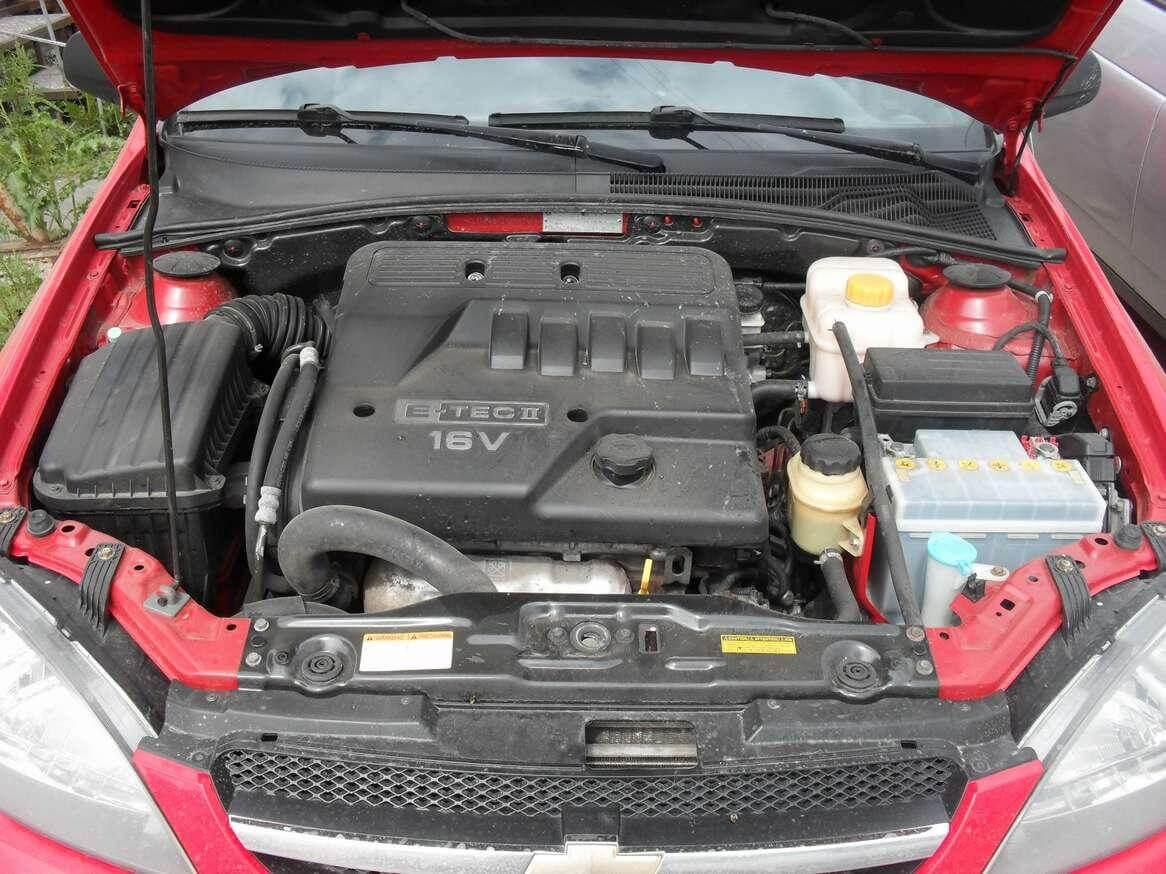 моторный отсек лачетти устанавливались бензиновые двигатели